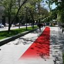 Идите прямо, по Новокузнецкой улице, в сторону Павелецкого вокзала